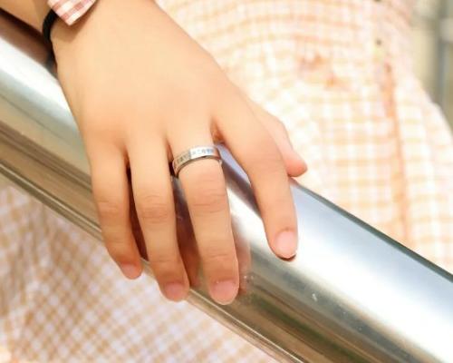 戒指首饰品
