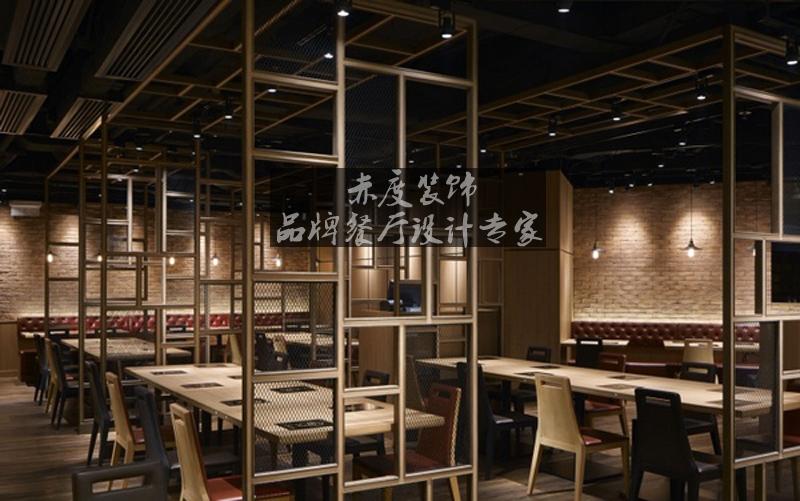 创意设计 装潢设计  在火锅店设计中,整体空间分成入口区,架高卡座区