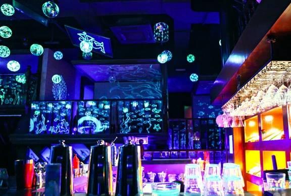 网红酒吧装修设计