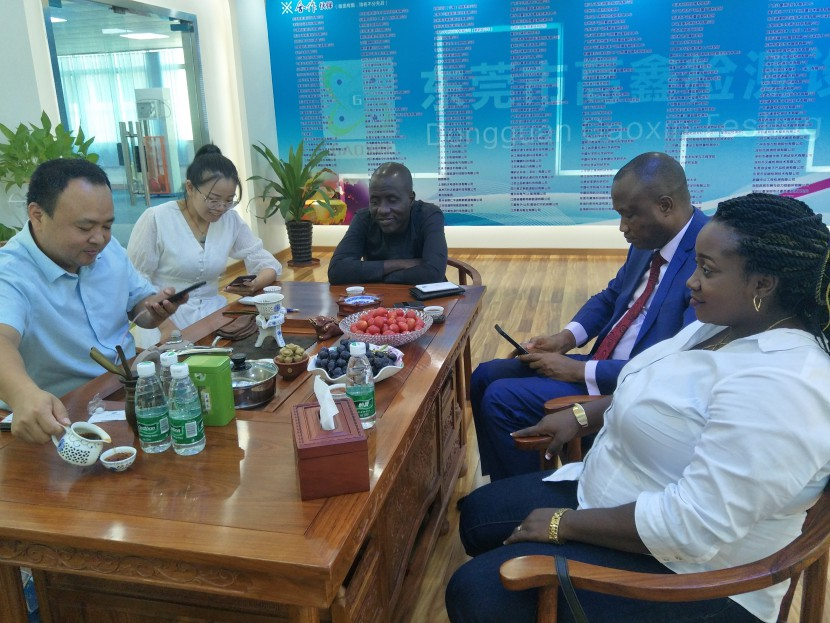 尼日利亞客戶蒞臨高鑫試驗設備公司參觀學習